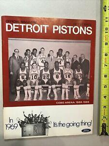 1968-1969 Detroit Pistons NBA Basketball Program Walt Bellamy Dave Bing