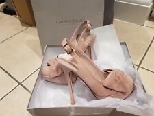 Brand New Carvela court shoes size 4