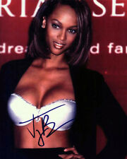TYRA BANKS 8X10 SIGNED preprint photo SEXY CLEAVAGE!