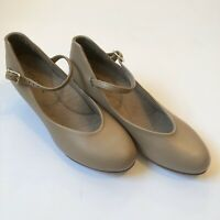 Capezio Women's Caramel Heel Character Shoes - 5.5 Medium EUC Theater Tap shoe