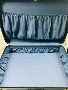 VTG Large Blue Monarch Hard Shell Suitcase - 28 X 18 X 6 inches