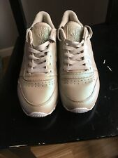 Reebok Ladies Trainers Size 7 Used but in Great Condition