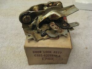 NOS FORD RH DOOR LOCK ASSEMBLY FOR 1961 1962 1963 TBIRD THUNDERBIRD