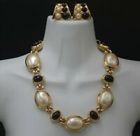 GIVENCHY LARGE PEARLS AND FAUX ONYX RUNWAY STATEMENT NECKLACE AND EARRINGS SET