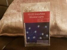 3 X 10 LED SNOWFLAKES WINDOW LIGHTS WITH SUCTION PADS 240CM BATTRIES INCLUDED