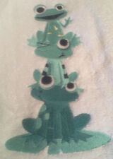 FROG STACK EMBROIDER BATHROOM HAND TOWEL SET OF 2 by laura