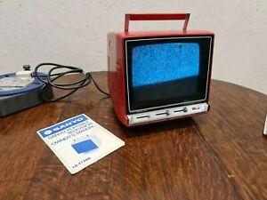 RETRO 1970's SANYO PORTABLE TELEVISION 10-T150H