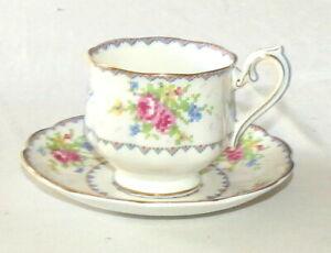 Royal Albert Petit Point Porcelaine Angleterre Tasse et Soucoupe - avec Or Bord