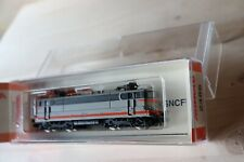 Arnold 2486 N scale SNCF BB25200 electric locomotive concrete grey livery 25225