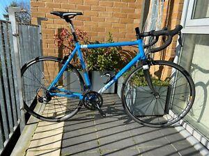 Kinesis T2 Racelight Road Bike Shimano Claris Groupset Carbon Forks Mavic Aksium