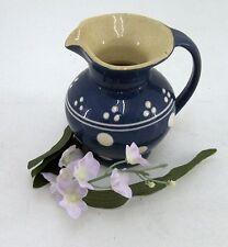 Kohrener Keramik Töpferei  Kännchen blau mit weissen Punkten & Strichen
