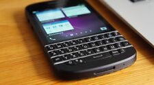 BLACKBERRY Q10 (UNLOCKED) + MINT CONDITION+ 9/ 10+  ON SALE !!