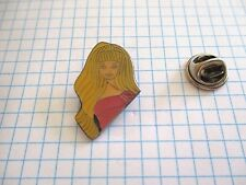 PINS RARE VINTAGE JOUETS POUPEE BARBIE ROBE DE SOIREE MARIEE TV CINEMA wxc 33