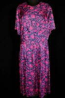 PLUS SIZE VINTAGE FRENCH 1960'S REDS AND LAVENDERS PRINT DRESS SIZE 24-26