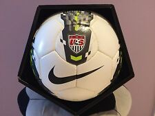 SOCCER OFFICIAL BALL-NIKE SEITIRO-SIZE 5-FIFA QUALITY-WHITE IN COLOR-NEW-IN BOX-