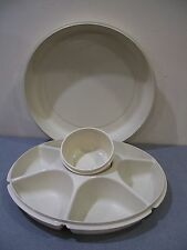 #S ALMOND IVORY 3 PIECE DIVIDED TUPPERWARE VEGETABLE FRUIT RELISH TRAY W/ LID