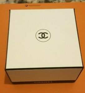 """CHANEL, Gift Box 115x115x70mm """"Empty"""" Used nice condition"""