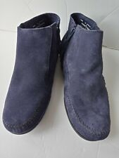 Minnetonka Moccasin Boots Size 10 Womens Navy Blue Shoes Suede Ankle Booties