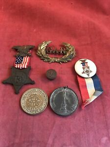 Union GAR Lot Hat Badge Chest Badge Ect