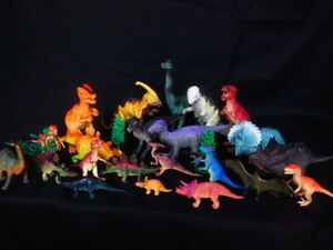 """Collectible Toys Lot of 13 Dinosaurs  Toys & Hobbies Vintage 3"""" to 6"""" Tall"""