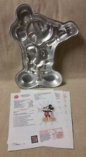 Wilton Disney MICKEY MOUSE with a Wave CAKE PAN Mold Tin 1995 2105-3601 EUC