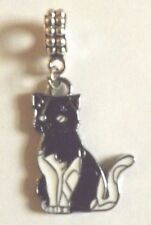 pendentif argenté chat noir et blanc