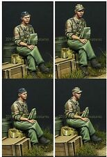 Alpine Miniatures 1/35 35099 German Panzer Officer in Summer