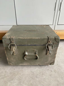 1940s WWII US ARMY SIGNAL CORPS Vintage military RADIO BOX Unit C-1134A/TRA-2