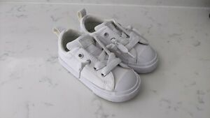 Toddler Girls Converse Sneakers Size 7, Two pairs, barely worn.