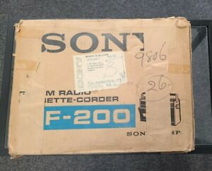 VINTAGE SONY CF-200 Cassette-Corder AM FM Radio Complete with Box