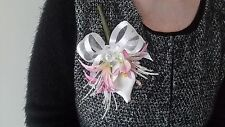 Ladies Pink & White Buttonhole