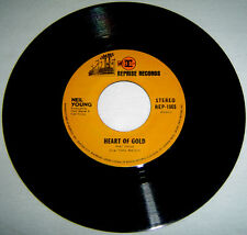 "PHILIPPINES:NEIL YOUNG - Heart Of Gold,Sugar Mountain,7"" 45 RPM,Record,Vinyl,"