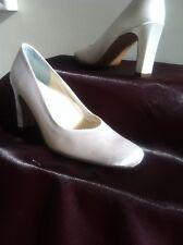 Court Shoes Size UK 6 - Stunning Satin Winter White - 3 Inch Heels