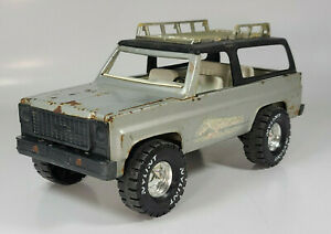 """Vintage Nylint Chevy Trail Blazer 12"""" Metal Scale Model Removable Top"""