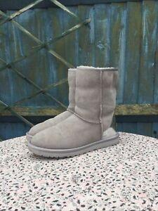 UGG - Classic Short - Metallic Patent - Grey - Suede - Boots  - UK 7.5