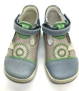 Bopy baby US 4 leather T strap shoe