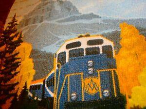 ROCKY MOUNTAINEER MENS T-Shirt SZ L SOUVENIR MOUNTAINS CANADA USA RAILROAD