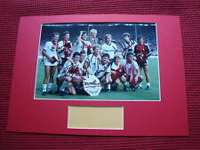 MANCHESTER UNITED 1983 CHARITY SHIELD *7* SIGNED A3 MOUNTED PHOTO DISPLAY- AFTAL