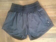 Lululemon Run Tracker Shorts Women's Size 4 Black