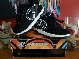 Boys Heelys Wheel Shoes New In Box Size 1 birthday Christmas gift