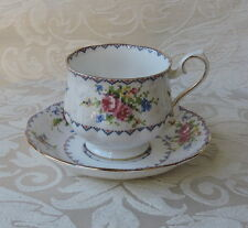 Petit Point Pattern Royal Albert Tazza con piatto Cup & saucer Porcellana 1932
