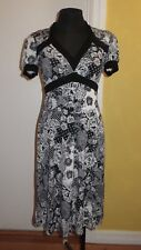 Moss & Spy Black And White Stetch Empire Floral Dress. Size 10