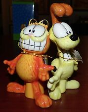 GARFIELD AND ODIE MAGNETIC SALT AND PEPPER SHAKERS WESTLAND JIM DAVIS