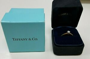 Tiffany & Co 18ct Gold Platinum Set 0.25 VS2 Diamond Ring With Papers (82784)
