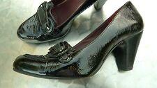 Jaeger black patent leather court shoes size 5   (C32)