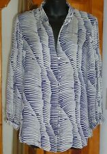 PARKER Navy & White SILK BLOUSE Abstract Psychedelic; Self Buttons Pin-tucks M
