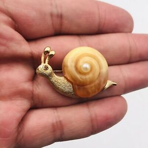 """Fuller Signed Gold Tone Faux Pearl Caramel Lucite Snail Pin Brooch 1.5"""" x 1"""""""