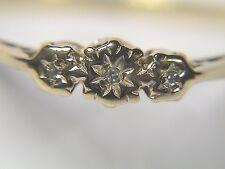 Vintage 9kt gold ring w/3 small diamonds, hallmarked British