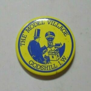 THE MODEL VILLAGE GODSHILL I.W. VTG PLASTIC PIN BADGE PLACE OF INTEREST 1980S?.
