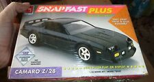 AMT CAMARO Z/28 1/25 SNAP-FAST Model Car Mountain FS 6723